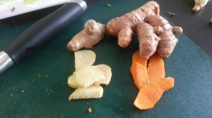 The one on the left is ginger, the one on the right is turmeric. It's confusing.